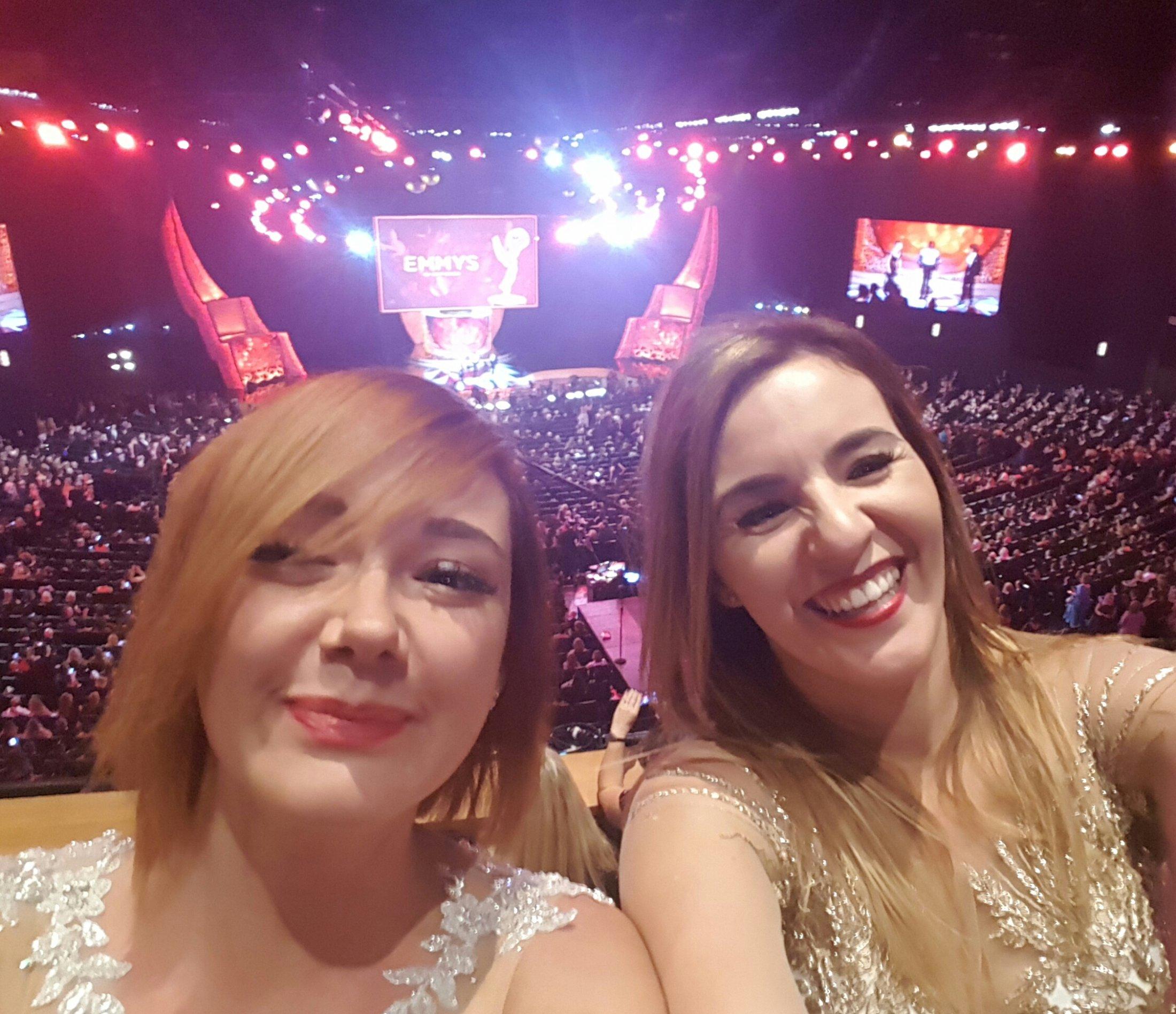 Karolina i Sabina- Emmy 2016 3