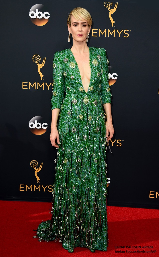 sarah-paulson-emmy-awards-2016